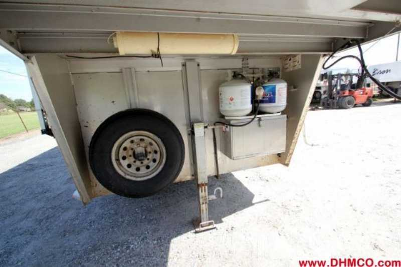 Used 3 Horse Kiefer Built Horse Trailer With Living