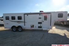 #04825 - New 2015 Bison Trail Boss 7380LQ 3 Horse Trailer  with 8' Short Wall