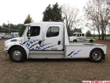 #30857 - Used 2004 Freightliner M2 106 Truck