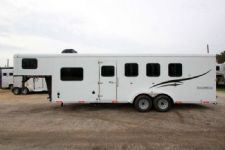 #04917 - New 2015 Bison Trail Hand 7460LQ S 4 Horse Trailer  with 6' Short Wall