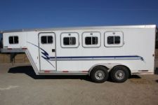 #09817 - Used 2001 Exiss SS300 3 Horse Trailer  with 4' Short Wall