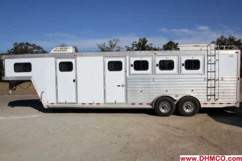 Used 3 Horse Cm Horse Trailer With Living Quarters