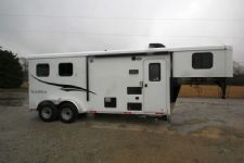 #04997 - New 2015 Bison Trail Hand 7206LQ S 2 Horse Trailer  with 6' Short Wall