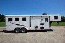 #04998 - New 2015 Bison Trail Hand 7360LQ S 3 Horse Trailer  with 6' Short Wall