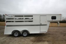#77066 - New 2015 Bee 3HGNSL 3 Horse Trailer  with 2' Short Wall