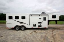 #05171 - New 2015 Bison 7360LQ Dixie Renegade 3 Horse Trailer  with 6' Short Wall