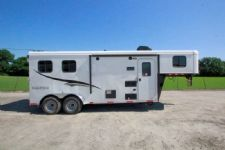 #05173 - New 2015 Bison Trail Hand 7206LQ S 2 Horse Trailer  with 6' Short Wall