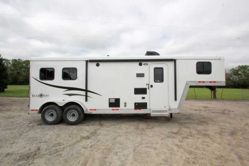2 horse bison horse trailer with living quarters dixie