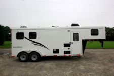 #05183 - New 2015 Bison Trail Hand 7206LQ S 2 Horse Trailer  with 6' Short Wall