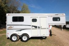 #33280 - Used 1998 Merhow 2HSLGN 2 Horse Trailer  with 4' Short Wall