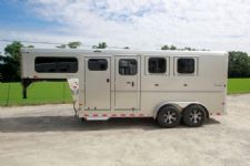#B1700 - New 2016 Sundowner SPORTMAN3HGN 3 Horse Trailer  with 4' Short Wall