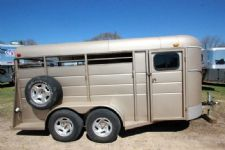 #01009 - Used 2008 Calico 3HBLP 3 Horse Trailer  with 2' Short Wall