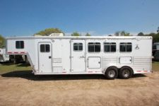 #44683 - Used 2001 Featherlite 4HSL 4 Horse Trailer  with 6' Short Wall