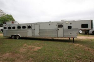 #51331 - Used 2003 Hart 6HSLQ 6 Horse Trailer  with 13' Short Wall