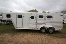 #97208 - Used 2005 Dreamcoach 3HSLGN 3 Horse Trailer  with 6' Short Wall