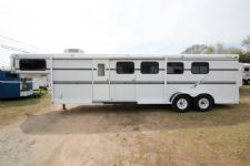#77011 - Used 2001 Bee 4H Weekender LQ 4 Horse Trailer  with 8' Short Wall