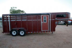 #21471 - Used 1999 Corn Pro 7340LQ 3 Horse Trailer  with 6' Short Wall