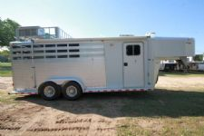 #02467 - Used 2000 Sooner 7360LQ 3 Horse Trailer  with 6' Short Wall