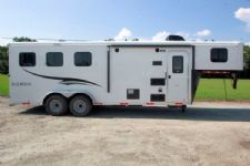 #05530 - New 2015 Bison Trail Hand 7306LQ S 3 Horse Trailer  with 6' Short Wall