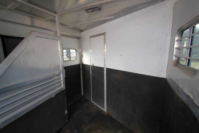 Featherlite Horse Trailer For Sale Used 2001 4 Horse Trailer With Living Quarters For Sale