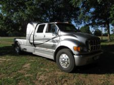 #09911 - Used 2002 Ford F650 Truck