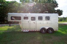 #B2115 - New 2016 Sundowner SPORTMAN3HGN 3 Horse Trailer  with 4' Short Wall