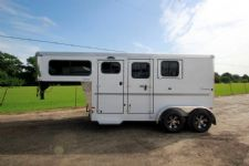 #B2116 - New 2016 Sundowner SPORTMAN2HGN 2 Horse Trailer  with 4' Short Wall