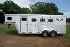 #17328 - Used 2003 Exiss XT300 3 Horse Trailer  with 4' Short Wall