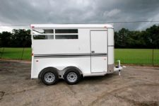 #77146 - New 2015 Bee 2HBPSLDLX 2 Horse Trailer  with 2' Short Wall