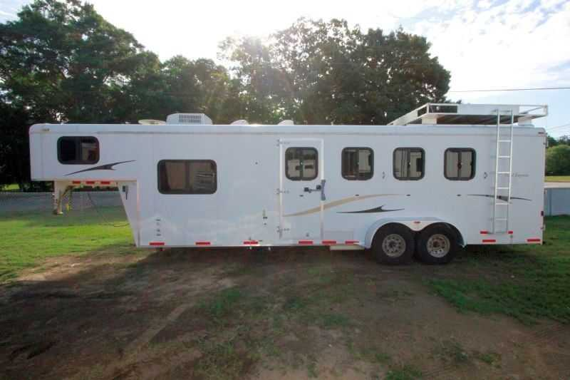used 4 horse bison horse trailer with living quarters dixie horse