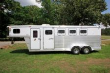#40311 - Used 2007 Exiss ES400 4 Horse Trailer  with 4' Short Wall