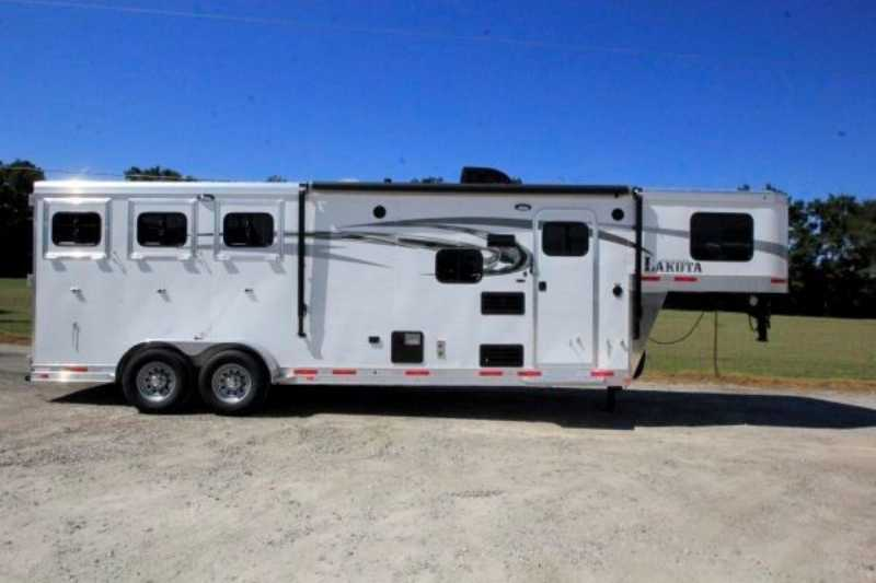 Lakota horse trailer for sale new 2016 3 horse trailer for Shop with living quarters for sale