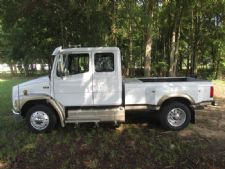 #28740 - Used 1997 Freightliner FL60 Truck