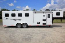 #05696 - New 2016 Bison Trail Hand 7406LQ S 4 Horse Trailer  with 6' Short Wall