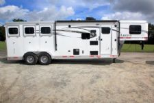 #00792 - New 2016 Lakota Lakota Charger 7309LQ 3 Horse Trailer  with 9' Short Wall