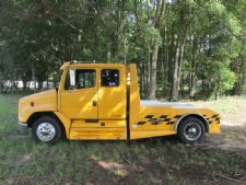 #51033 - Used 2000 Freightliner FL60 Truck