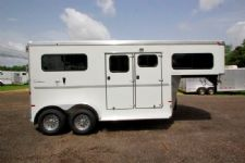 #A7189 - Used 2013 Sundowner Charter 2HGN 2 Horse Trailer  with 4' Short Wall