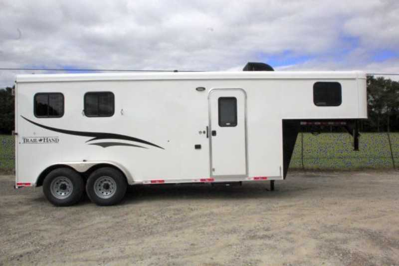 horse bison horse trailer with living quarters dixie horse mule