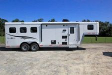 #05713 - New 2016 Bison Trail Boss 7308LQ 3 Horse Trailer  with 8' Short Wall