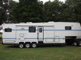 #84292 - Used 1997 Horizons F36-RKSSS Travel Trailer
