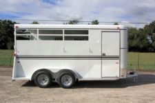 #77199 - New 2016 Bee 3HBPSLDLX 3 Horse Trailer  with 2' Short Wall