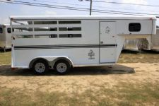 #77016 - Used 2015 Bee Dixie Tuff 3HGNSL 3 Horse Trailer  with 2' Short Wall