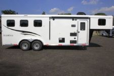 #05482 - New 2016 Bison Trail Hand 7306LQ S 3 Horse Trailer  with 6' Short Wall