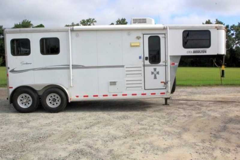 Sundowner horse trailer for sale used 2011 2 horse trailer for Shop with living quarters for sale