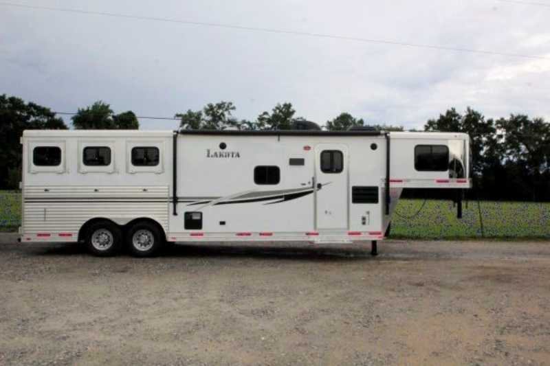Lakota horse trailer for sale used 2014 3 horse trailer for Shop with living quarters for sale
