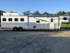 #05826 - New 2016 Bison Laredo 8415GLQ 4 Horse Trailer  with 15' Short Wall