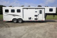 #05839 - New 2016 Bison Trail Hand 7308LQ 3 Horse Trailer  with 8' Short Wall