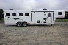 #05894 - New 2016 Bison Trail Boss 7408LQ 4 Horse Trailer  with 8' Short Wall
