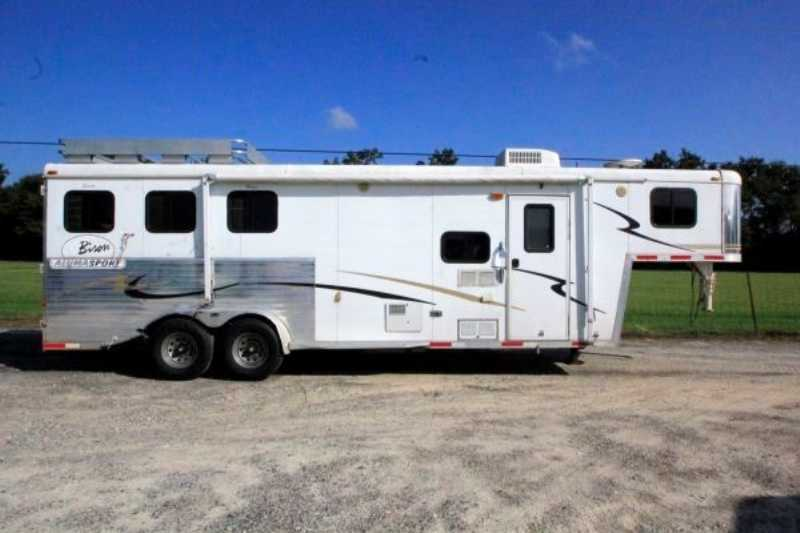 Used 3 Horse Bison Horse Trailer With Living Quarters