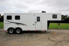 #05905 - New 2016 Bison Trail Hand 7206LQ S 2 Horse Trailer  with 6' Short Wall